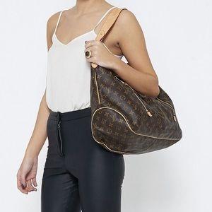 ❤️✅AUTHENTIC✅❤️Shoulder Bag by Louis Vuitton